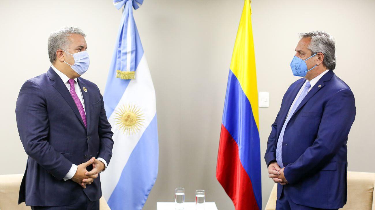 Alberto Fernández en la jura del presidente boliviano, de Luis Arce.