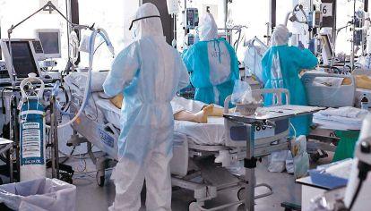 Grave. Alrededor de 80% de las camas de cuidados intensivos en nuestros países están siendo ocupadas en forma permanente.