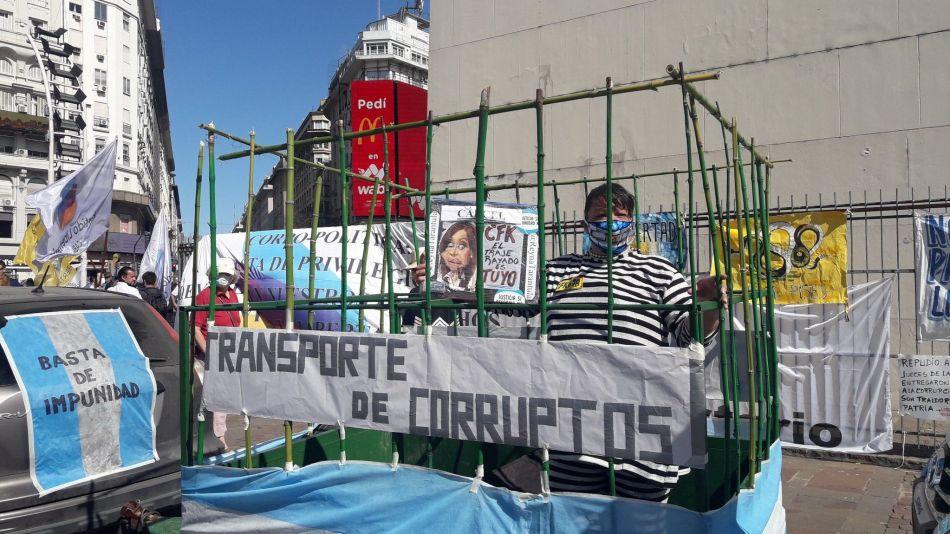8N. Otro banderazo contra el Gobierno en el Obelisco