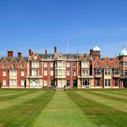 Sandringham State y Somerleyton Hall, el verdadero y el que simuló ser para The Creown.