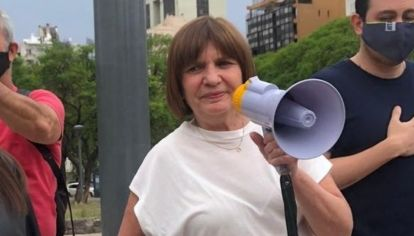 Patricia Bullrich encabezó la marcha del 8N en Córdoba.