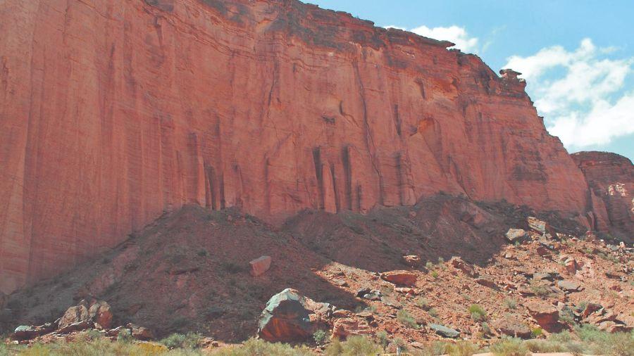 La Rioja Termas, reservas y dinosaurios