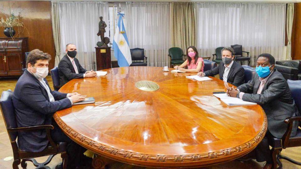 Guzmán se reunió con misión del FMI 20201110