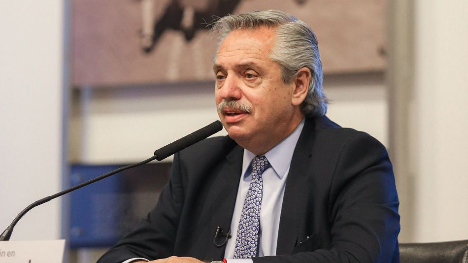 Alberto Fernández acusó a Vidal y Macri de no ejecutar obras para prevenir inundaciones.