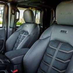 La pick-up puede equipar diferentes amortiguadores Fox Racing de entre 10 y 12 centímetros.