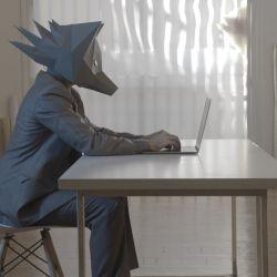 El zorro, metáfora del acosador, en un film que mezcla la danza y el documental.