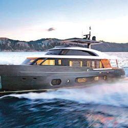 Azimut Yachts mostró su nuevo modelo Magellano  25 metros, un yate de  largo alcance con un  diseño de casco con  líneas muy marineras.