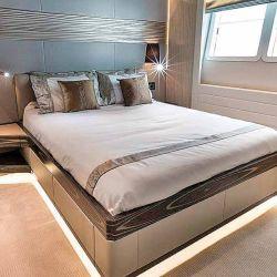 Gulf Craft y el nuevo Majesty 100 MY, con interiores de muy buen estilo y diseño actual.