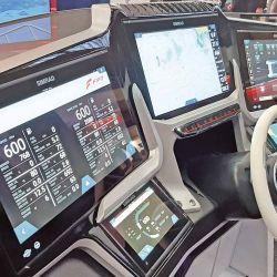 El Glass Cockpit por medio  de sistemas de pantalla fue una de las novedades: cada vez más la tecnología reemplaza a lo analógico.
