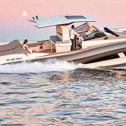 Scanner Marine Envy  1400 con un diseño novedoso de cabina y sistema de propulsión jetdrive dentro fuera.