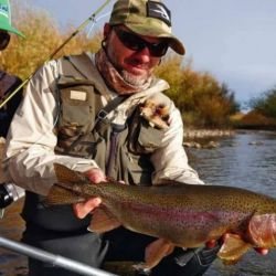 Durante la conferencia se detalló que para pescar se puede circular libremente por la provincia.