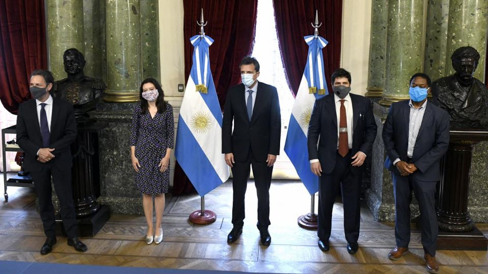 Sergio Massa y la delegación del FMI 20201113