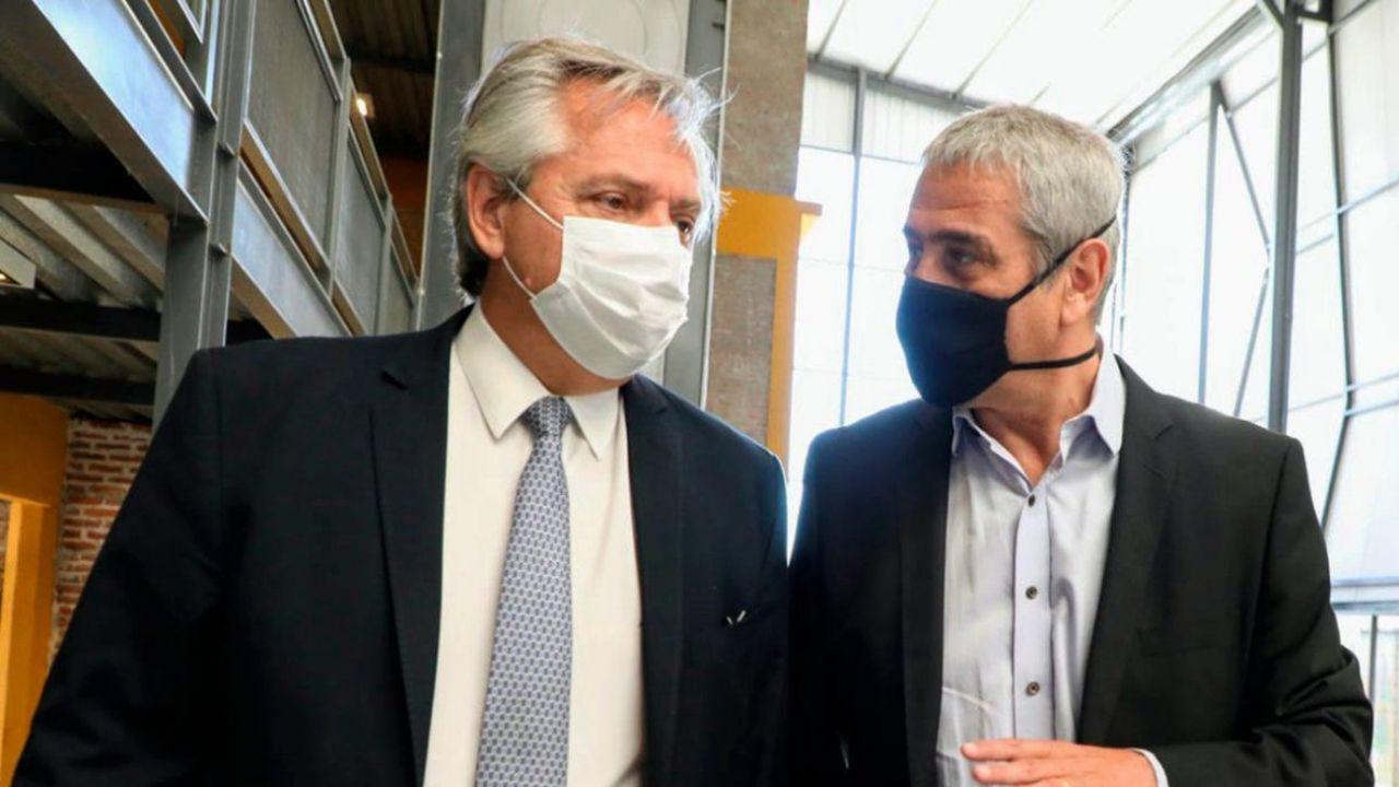 Ferraresi con Alberto Fernández.  | Foto:CECOC