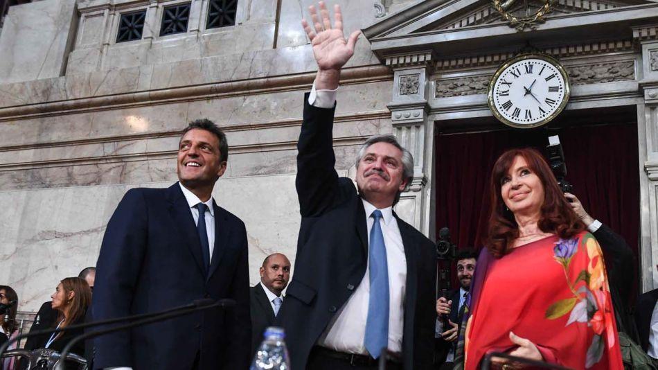 Trípode: los dos Fernández y Massa en el Congreso.