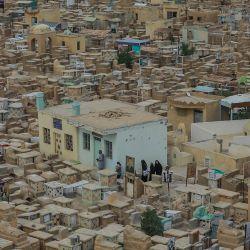 Irak, Nayaf: vista general del cementerio de Wadi al-Salam (Valle de la Paz) en la ciudad santa chií de Nayaf. El antiguo cementerio islámico, establecido en el siglo VII cerca del santuario del Imam Ali, se considera el cementerio más grande del mundo y cubre aproximadamente el 13% del área de la ciudad de Najaf.   Foto:Ameer Al Mohammedaw / DPA