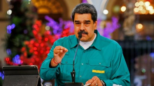 Maduro negocia con Rusia la llegada de la vacuna Sputnik V