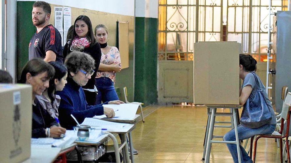 20201115_voto_votantes_telam_g