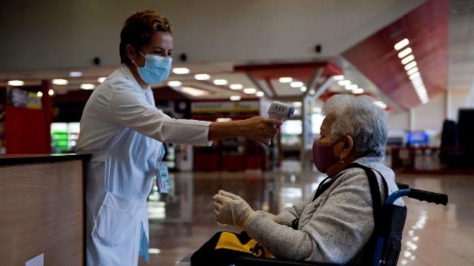 La OMS registró el sábado como la jornada con mayor número de contagios diarios