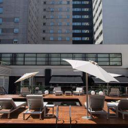 El Novotel Buenos Aires reabrió tu terraza para disfrute de huéspedes y visitantes.