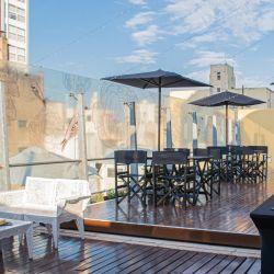 El Club 31 Terraza del Recoleta Grand brinda cerveza artesanal, los más variados snaks y degustación de sushi.
