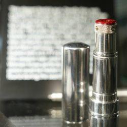 Entre los productos más preciados se subastará una pistola de un solo disparo de 4,5 mm. con forma de lápiz labial utilizada por las mujeres espías de la KGB en 1965.