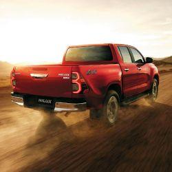 Las versiones SRX y SRV incorporan sensores de estacionamiento delanteros y traseros.