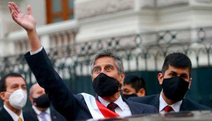 Sagasti gobernará Perú hasta julio de 2021.
