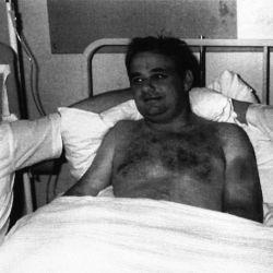 Tim Lancaster fue atendido y trasladado a un hospital con vida.