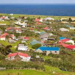 """Conocida como la """"isla habitada más remota de la Tierra"""", en ella viven tan solo 267 personas."""