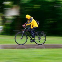Para andar de forma más segura, lo mejor es desinflar un poco las ruedas.