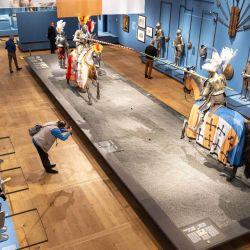 Los visitantes asisten a la exposición  | Foto:Evert Elzinga / ANP / AFP