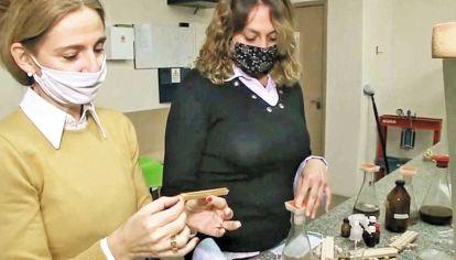 Investigadoras. Guadalupe Canosa y Paula Alfieri, de la Universidad Tecnológica en La Plata.