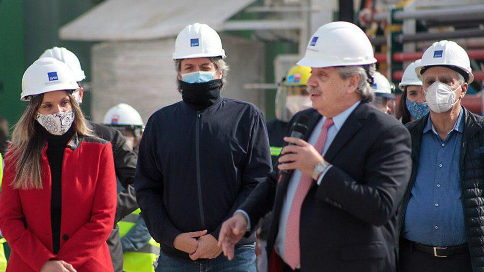 Alberto, el constructor. El Presidente pide motorizar la obra pública para generar empleo el próximo año.