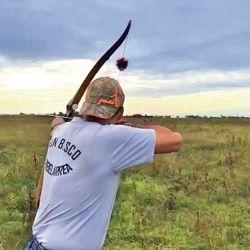 Pura adrenalina. El pointer levanta la perdiz y el arquero se dispone a realizar su disparo: precisión y rapidez de reacción son indispensables.