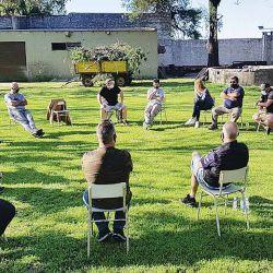 El nuevo formato de las reuniones de comisión directiva: al aire libre y con distanciamiento.