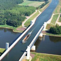 Antes de su construcción, las embarcaciones debían realizar una compleja ruta.