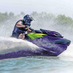 El nuevo diseño del casco aumenta el dominio de la moto en giros cerrados y la optimización del centro de gravedad mejora la navegación en oleaje.