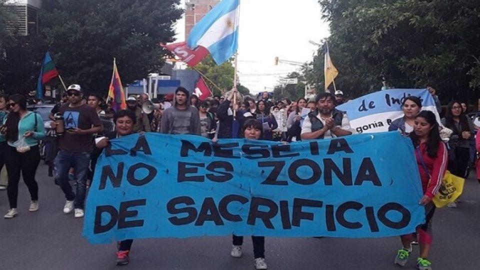 El movimiento No a la Mina viene manifestándose hacen meses en las calles de Chubut.