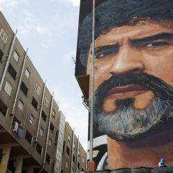 La idolatría por Maradona se aprecia simplemente con caminar por sus calles.