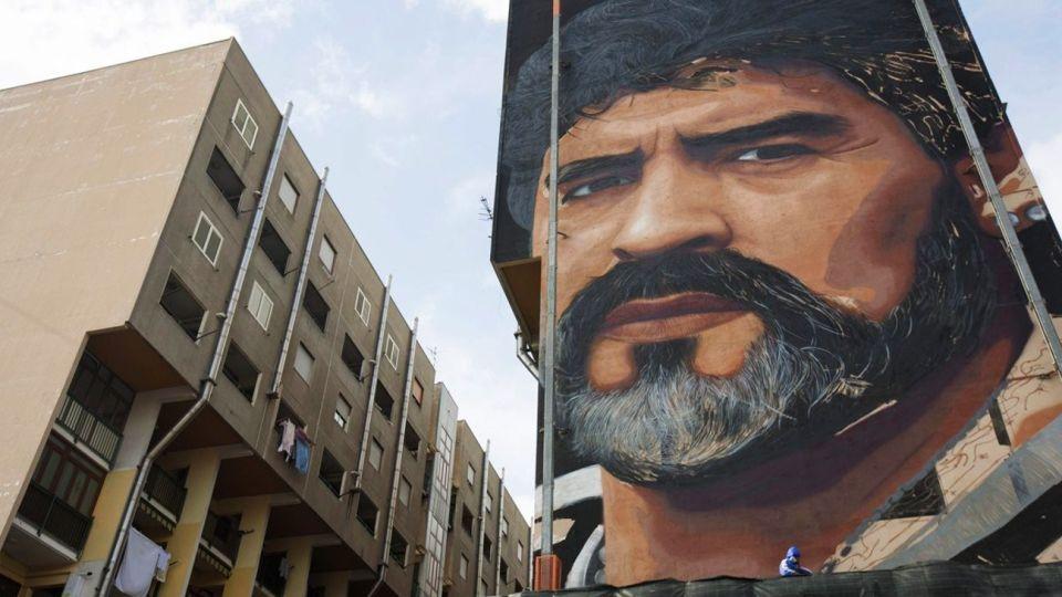 Nápoles, la ciudad donde Maradona se convirtió en una figura de culto