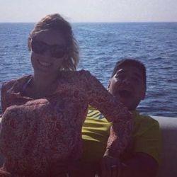 Maradona con Rocío Oliva disfrutando de la náutica en sus últimos años.