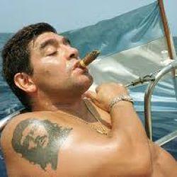 Maradona y su pasión por la náutica de toda la vida.
