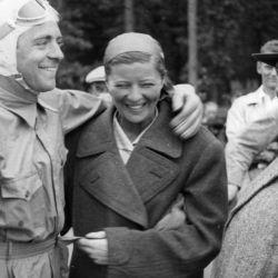 Benhorn se casó, en 1936, con el corredor de autos alemán Bernd Rosemeyer que iba a fallecer dos años más tarde.
