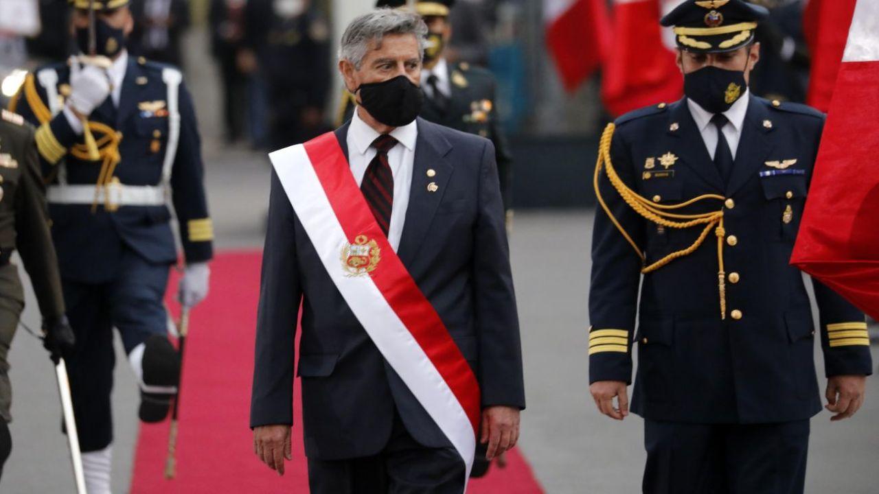 Francisco Sagasti tras su asunción.  | Foto:DPA