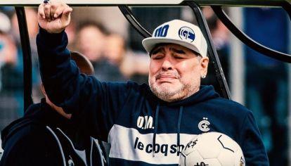 Maradona emocionado