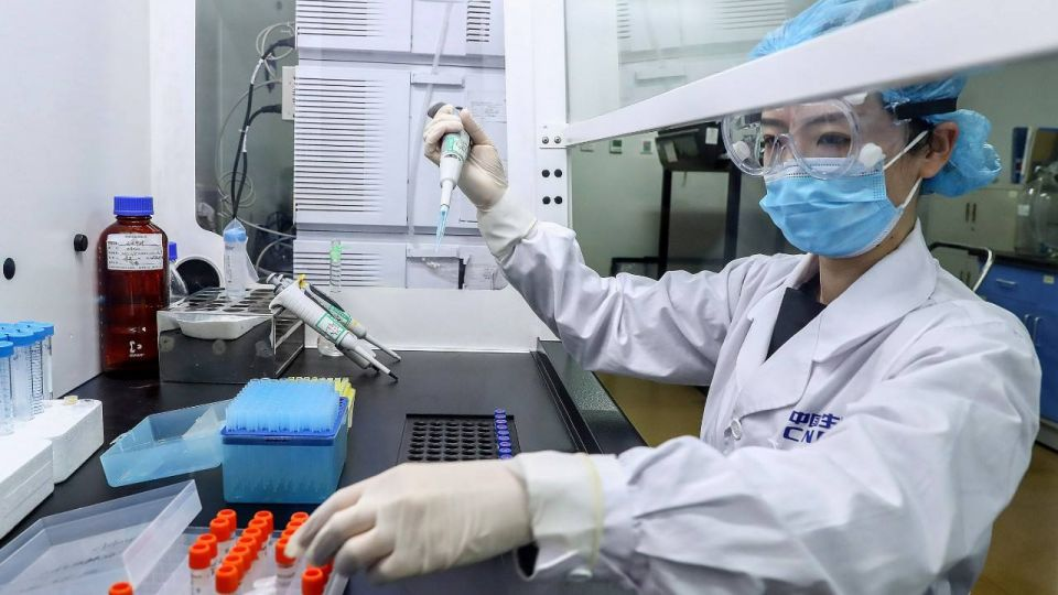COMPLEMENTO. La vacuna china, una seria alternativa que analiza el gobierno para completar las dosis que anunció el gobernador.