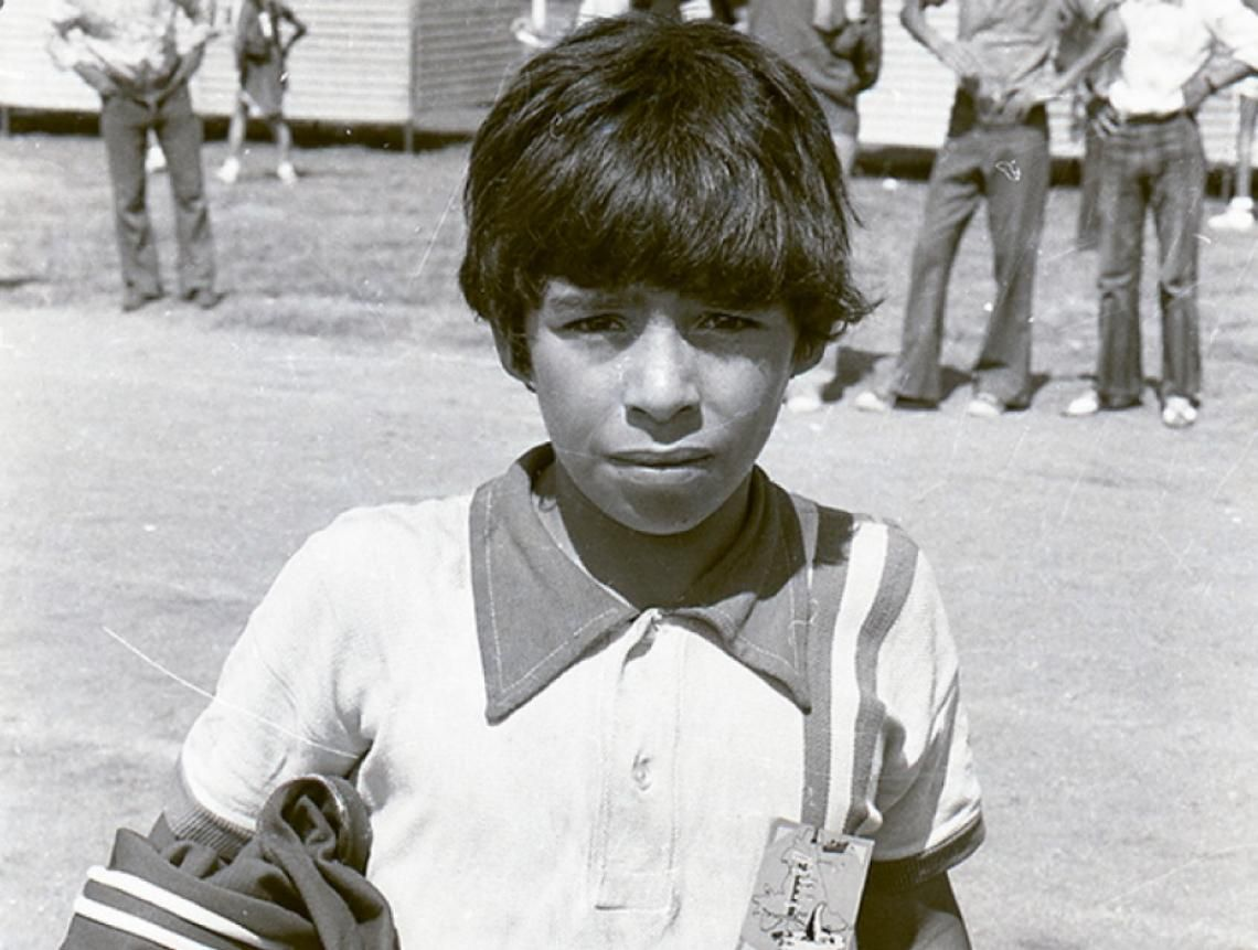 EMBALSE. Maradona con Los Cebollitas.