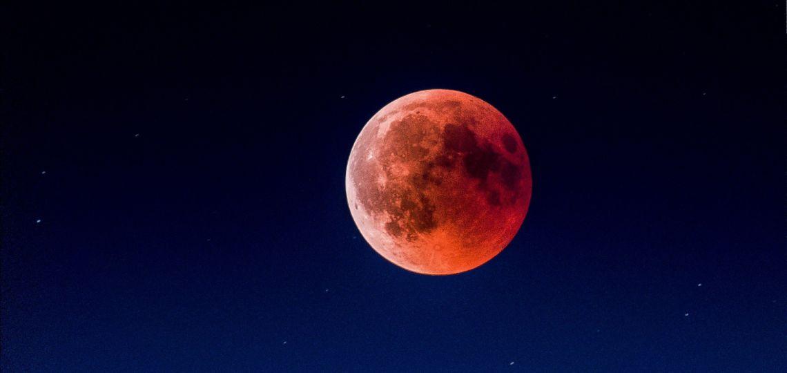 Eclipse de luna de llena en Géminis: descubrí cómo afecta su energía