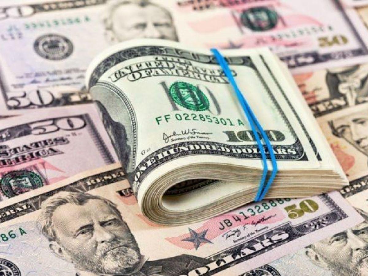 Dólar: notable baja en el mercado paralelo