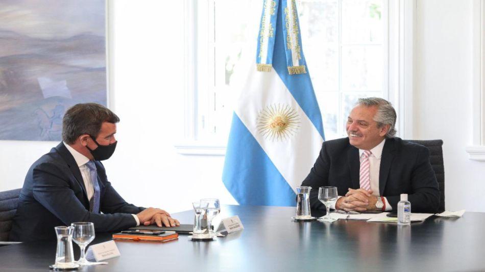 Alberto Fernández y titular Ford